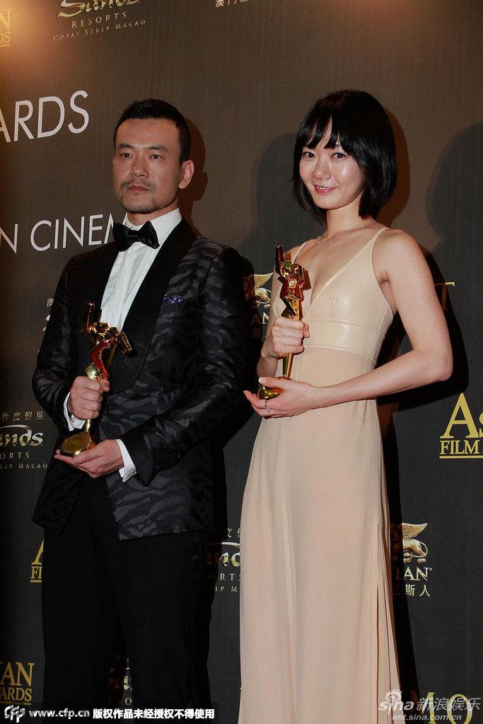 Nam – Nữ diễn viên xuất sắc: Liêu Phàm (Trung Quốc) và Bae Du Na (Hàn Quốc)