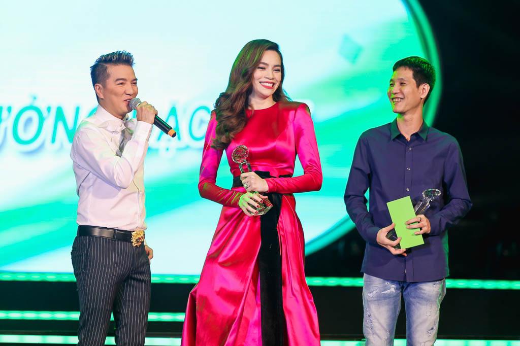 Hồ Ngọc Hà với giải thưởng đặc biệt